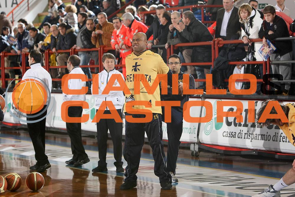 DESCRIZIONE : Porto San Giorgio Lega A1 2008-09 Premiata Montegranaro Carife Ferrara<br /> GIOCATORE : Brandon Hunter<br /> SQUADRA : Premiata Montegranaro <br /> EVENTO : Campionato Lega A1 2008-2009<br /> GARA : Premiata Montegranaro Carife Ferrara<br /> DATA : 18/01/2009<br /> CATEGORIA : Ritratto<br /> SPORT : Pallacanestro<br /> AUTORE : Agenzia Ciamillo-Castoria/C.De Massis