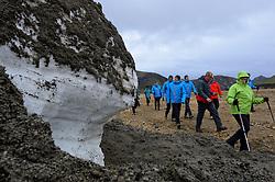 05-07-2014 NED: Iceland Diabetes Challenge dag 1, Landmannalaugar <br /> Vandaag ging de challenge van start. Met een bus gingen we van Vogar naar Landmannalaugar en zagen we de eerste tekenen van het prachtige landschap van IJsland / Annet, Manuel, Eelco