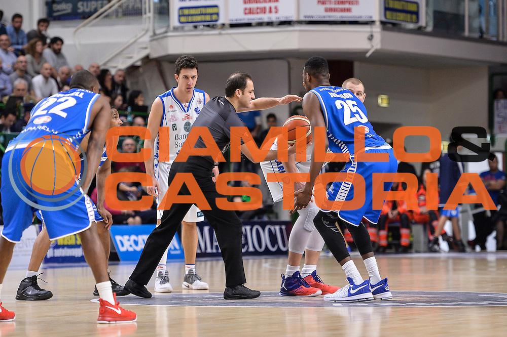 Tolga Sahin<br /> Banco di Sardegna Dinamo Sassari - Red October Pallacanestro Cantù<br /> LegaBasket Serie A Poste Mobile 2016/2017<br /> Sassari 12/02/2017<br /> Foto Ciamillo-Castoria
