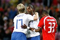 Fotball<br /> 22.08.2007<br /> Sveits v Nederland<br /> Foto: ProShots/Digitalsport<br /> NORWAY ONLY<br /> <br /> kuyt scoort de 2-1 en viert dat met ryan babel die de assist gaf