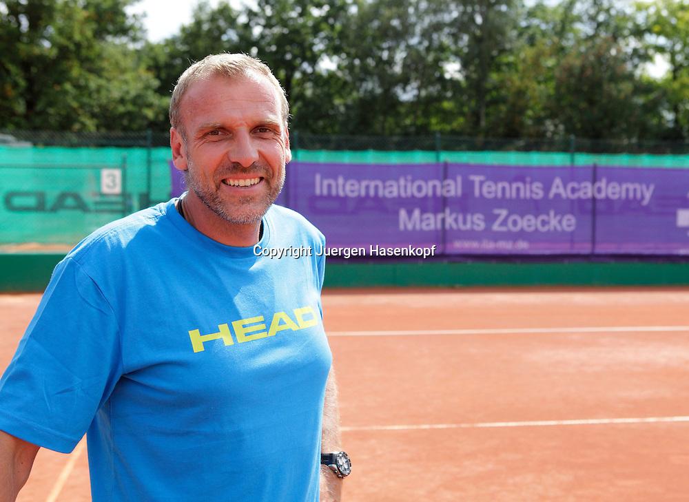 International Tennis Academy Markus Zoecke,ITA,Trainingsbase,Tennisschule, .Camp,Nachwuchs und Talentfoerderung in Oberschleissheim bei Muenchen,.ex Tennis Profi Markus Zoecke ist der sportliche Leiter der Anlage,Portrait,