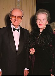 SIR PETER & LADY O'SULLEVAN at a dinner in London on 17th November 1998.<br /> MMB 34