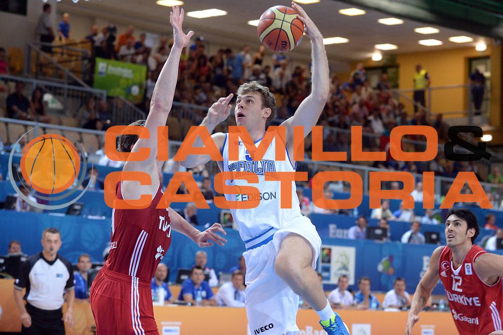 DESCRIZIONE : Capodistria Koper Slovenia Eurobasket Men 2013 Preliminary Round Turchia Italia Turkey Italy<br /> GIOCATORE : Nicolo Melli<br /> CATEGORIA : Tiro<br /> SQUADRA : Italia<br /> EVENTO : Eurobasket Men 2013<br /> GARA : Turchia Italia Turkey Italy<br /> DATA : 05/09/2013 <br /> SPORT : Pallacanestro&nbsp;<br /> AUTORE : Agenzia Ciamillo-Castoria/Max.Ceretti<br /> Galleria : Eurobasket Men 2013 <br /> Fotonotizia : Capodistria Koper Slovenia Eurobasket Men 2013 Preliminary Round Turchia Italia Turkey Italy<br /> Predefinita :