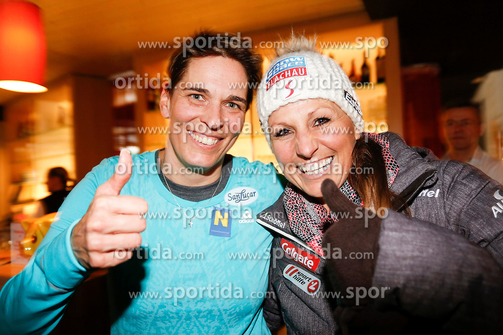 26.01.2015, Planai, Schladming, AUT, FIS Skiweltcup Alpin, Schladming, Sporthilfe Charity Promi Race, im Bild Michaela Dorfmeister und Snowboard Parallell RTL Weltmeisterin Claudia Riegler // Michaela Dorfmeister and Claudia Riegler during the Sporthilfe Charity VIP race at the Planai Course in Schladming, Austria on 2015/01/26, EXPA Pictures © 2015, PhotoCredit: EXPA/ Erwin Scheriau