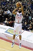 DESCRIZIONE : Milano Lega A 2012-13 EA7 Olimpia Armani Jeans Milano Cimberio Varese<br /> GIOCATORE : Malik Hairston<br /> SQUADRA : EA7 Olimpia Armani Jeans Milano<br /> EVENTO : Campionato Lega A 2012-2013<br /> GARA :  EA7 Olimpia Armani Jeans Milano Cimberio Varese<br /> DATA : 23/12/2012<br /> CATEGORIA : Tiro Three Points<br /> SPORT : Pallacanestro<br /> AUTORE : Agenzia Ciamillo-Castoria/A.Giberti<br /> Galleria : Lega Basket A 2012-2013<br /> Fotonotizia : Milano Lega A 2012-13 EA7 Olimpia Armani Jeans Milano Cimberio Varese<br /> Predefinita :
