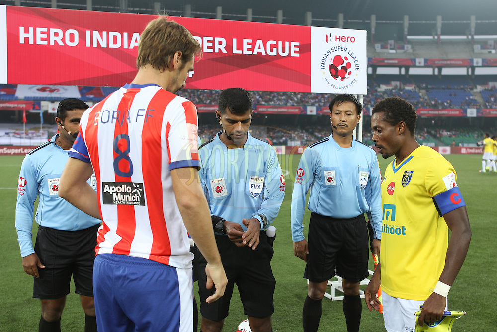 Toss during match 13 of the Hero Indian Super League between Atl&eacute;tico de Kolkata and Kerala Blasters FC held at the Salt Lake Stadium in Kolkata, West Bengal, India on the 26th October 2014.<br /> <br /> Photo by:  Saikat Das/ ISL/ SPORTZPICS