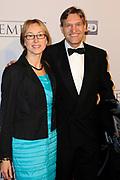 Galapremiere Het Bombardement in het nieuwe Luxor theater, Rotterdam.<br /> <br /> Op de foto:  CDA-fractievoorzitter Sybrand van Haersma Buma en zijn vrouw