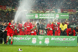 CARDIFF, WALES - Sunday, March 2, 2003: Liverpool celebrate beating Manchester United 2-0 to win the Worthington League Cup at the Millennium Stadium. (Pic by David Rawcliffe/Propaganda)