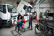 Trucks bij het Summa College automotive in Helmond.