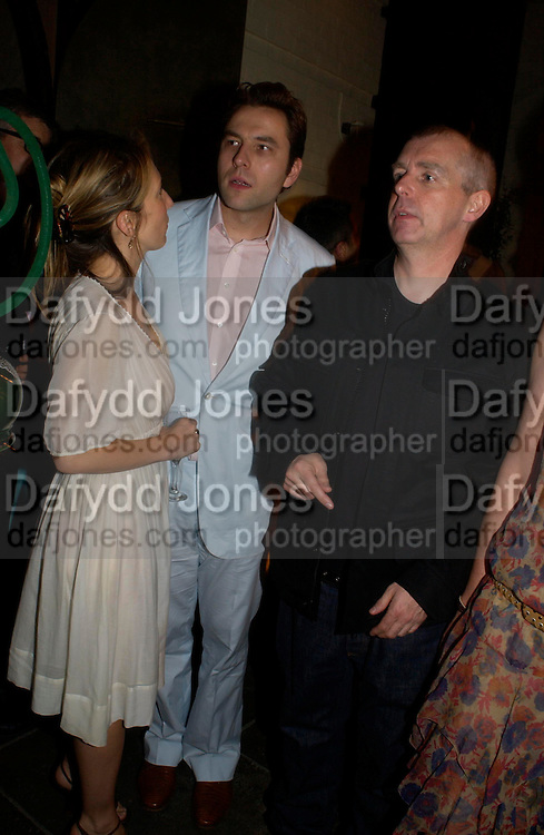 Sam Taylor Wood, David Walliams and Neil Tennant. Tracey Emin's ' When I Think about Sex' exhibition after-party. Momo. Heddon St. London. 26 May 2005. ONE TIME USE ONLY - DO NOT ARCHIVE  © Copyright Photograph by Dafydd Jones 66 Stockwell Park Rd. London SW9 0DA Tel 020 7733 0108 www.dafjones.com
