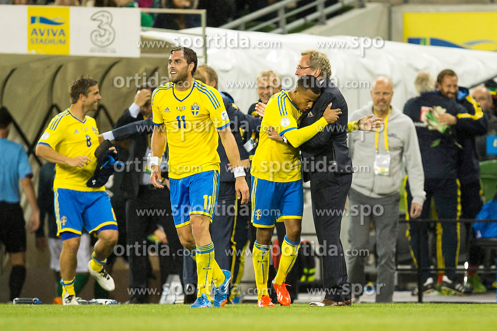 06.09.2013, Aviva Stadium, Dublin, IRL, FIFA WM Qualifikation, Irrland vs Schweden, Rueckspiel, im Bild Sweden f&ouml;rbundskapten head coach Erik Hamren Hamren celebrates with his team // during the FIFA World Cup Qualifier second leg Match between Ireland and Sweden at the Aviva stadium, Dublin, Ireland on 2013/09/06. EXPA Pictures &copy; 2013, PhotoCredit: EXPA/ PicAgency Skycam/ Michael Campanella<br /> <br /> ***** ATTENTION - OUT OF SWE *****