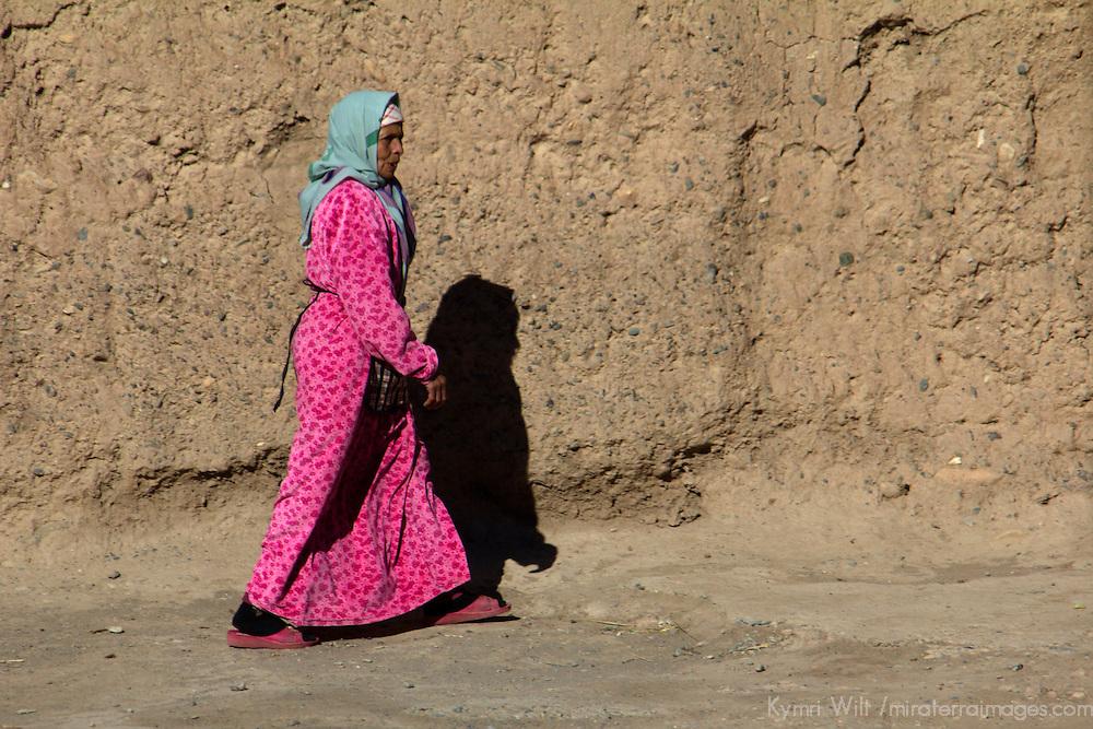 Africa, Morocco, Skoura. Moroccan woman of Skoura.