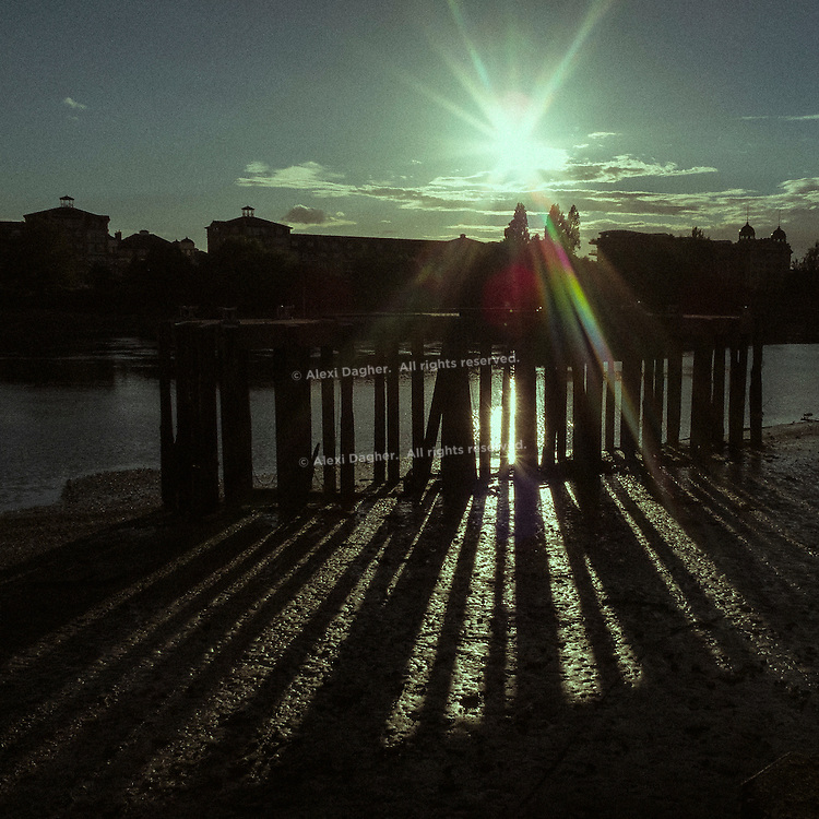 Thames River Bright Sun Rays - Fulham, London, England, 2016