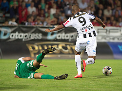 08.05.2015, Stadion der Stadt, Linz, AUT, 2.FBL, LASK Linz vs Mattersburg, im Bild v.l. Karim Onisiwo (SV Mattersburg), Fabiano de Lima Campos (LASK Linz) // during Austrian Second Football Bundesliga 32th round Match between LASK Linz and Floridsdorfer AC at the Stadion der Stadt in Linz, Austria on 2015/05/08. EXPA Pictures © 2015, PhotoCredit: EXPA/ Reinhard Eisenbauer