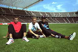 BERLIN, GERMANY - Sunday, August 7, 1994: Liverpool's Dominic Matteo, Rob Jones and goalkeeper David James pictured on the pitch before a preseason friendly between Hertha BSC Berlin and Liverpool FC at the Olympiastadion. Liverpool won 3-0. (Pic by David Rawcliffe/Propaganda)