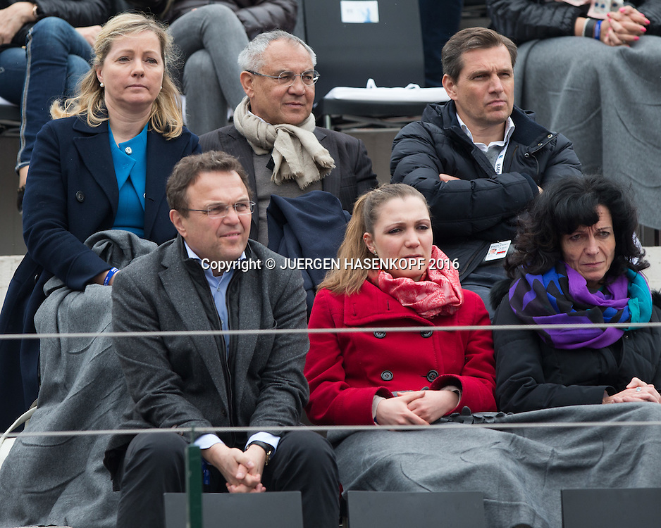 BMW Open Feature, oben rechts Turnierveranstalter , Michael Mronz, danerben Felix Magath, unten links der bayrische Innenminister Heinrich, VIP Loge,<br /> <br /> Tennis - BMW Open2016 -  ATP  -  MTTC Iphitos - Munich - Bavaria - Germany  - 1 May 2016.