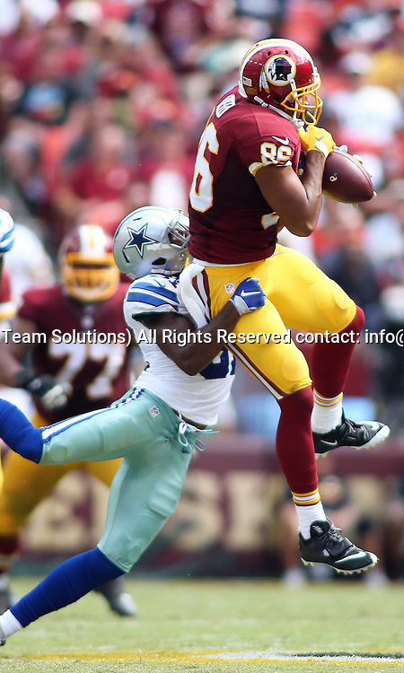 18 September, 2016: Washington Redskins tight end Jordan Reed (86) makes a catch over Dallas Cowboys free safety Byron Jones (31) during a match between the Washington Redskins and the Dallas Cowboys at FedExField in Landover, Maryland. (Photo By: Daniel Kucin Jr./Icon Sportswire)