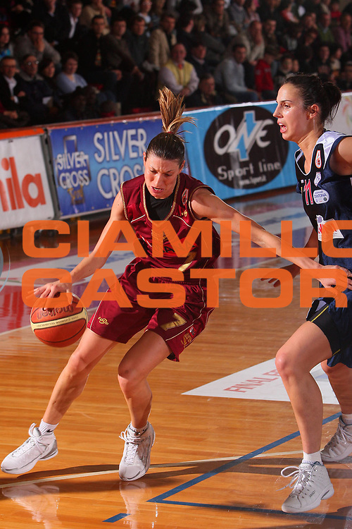 DESCRIZIONE : Schio Lega A1 Femminile 2007-08 Coppa Italia Finale Levoni Taranto Umana Venezia <br /> GIOCATORE : Modica <br /> SQUADRA : Umana Venezia <br /> EVENTO : Campionato Lega A1 Femminile 2007-2008 <br /> GARA : Levoni Taranto Umana Venezia <br /> DATA : 16/03/2008 <br /> CATEGORIA : Penetrazione <br /> SPORT : Pallacanestro <br /> AUTORE : Agenzia Ciamillo-Castoria/S.Silvestri <br /> Galleria : Lega Basket Femminile 2007-2008 <br /> Fotonotizia : Schio Campionato Italiano Femminile Lega A1 2007-2008 Coppa Italia Finale Levoni Taranto Umana Venezia <br /> Predefinita :