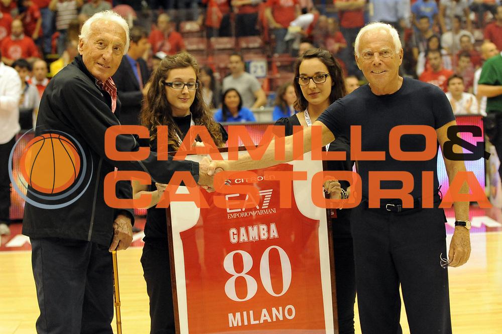 DESCRIZIONE : Milano Lega A 2011-12 EA7 Olimpia Milano MontePaschi Siena Gara3<br /> GIOCATORE : Giorgio Armani Sandro Gamba<br /> CATEGORIA : Before<br /> SQUADRA : <br /> EVENTO : Campionato Lega A 2011-2012 Play Off Finali Gara3<br /> GARA : EA7 Olimpia Milano MontePaschi Siena Gara3<br /> DATA : 13/06/2012<br /> SPORT : Pallacanestro <br /> AUTORE : Agenzia Ciamillo-Castoria/M.Ceretti<br /> Galleria : Lega Basket A 2011-2012 <br /> Fotonotizia : Milano Lega A 2011-12 EA7 Olimpia Milano MontePaschi Siena Gara3<br /> Predefinita :