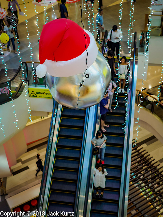 23 NOVEMBER 2018 - BANGKOK, THAILAND:  Christmas decorations in CentralPlaza Rama IX. Although Thailand is an overwhelmingly Buddhist country, the commercial aspects of Christmas are widely observed, especially in Thailand's urban areas, which have large concentrations of Europeans and Americans.     PHOTO BY JACK KURTZ