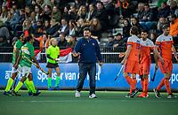 AMSTELVEEN - bondscoach Max Caldas (Ned)   tijdens  de tweede  Olympische kwalificatiewedstrijd hockey mannen ,  Nederland-Pakistan (6-1). Oranje plaatst zich voor de Olympische Spelen 2020.   COPYRIGHT KOEN SUYK