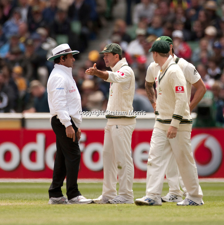 Captain Ricky Ponting has words with umpire Aleem Dar after Kevin Pietersen is not caught off Ryan Harris during the fourth Ashes test match between Australia and England at the MCG in Melbourne, Australia. Photo: Graham Morris (Tel: +44(0)20 8969 4192 Email: sales@cricketpix.com) 27/12/10