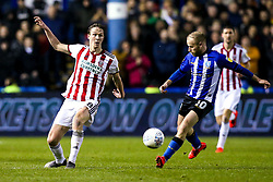 Kieran Dowell of Sheffield United takes on Barry Bannan of Sheffield Wednesday - Mandatory by-line: Robbie Stephenson/JMP - 04/03/2019 - FOOTBALL - Hillsborough - Sheffield, England - Sheffield Wednesday v Sheffield United - Sky Bet Championship