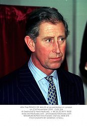 HRH The PRINCE OF WALES at an exhibition in London on 21st November 2000.OJG 224