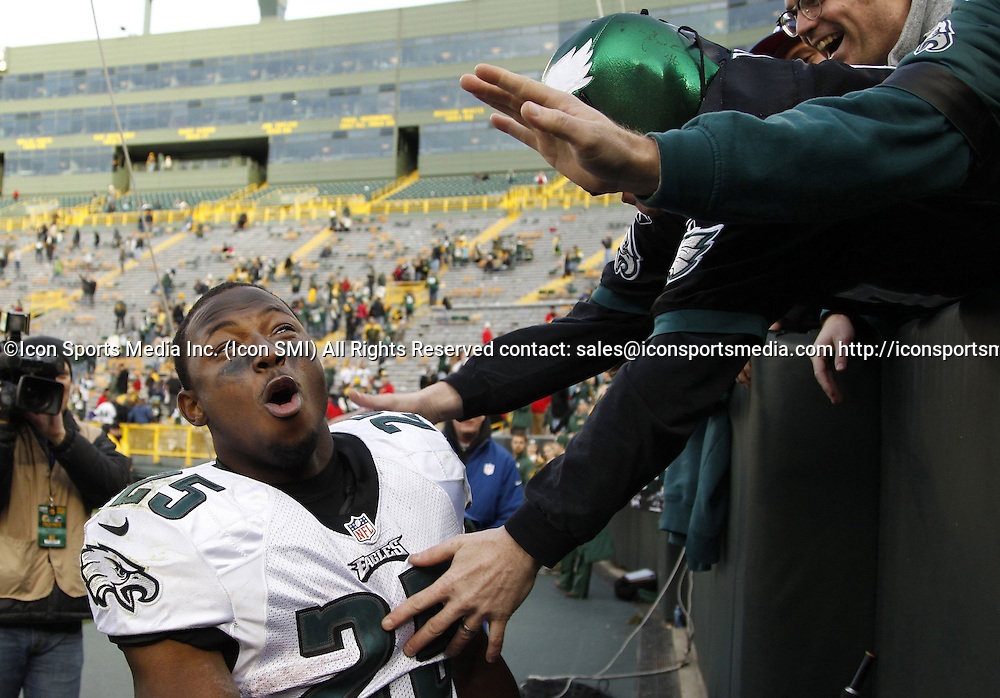 Nov. 10, 2013 - Green Bay, WI, USA - LeSean McCoy of the Philadelphia Eagles celebrates with fans against the Green Bay Packers at Lambeau Field in Green Bay, Wis., on Sunday, Nov. 10, 2013. The Eagles beat the Packers, 27-13