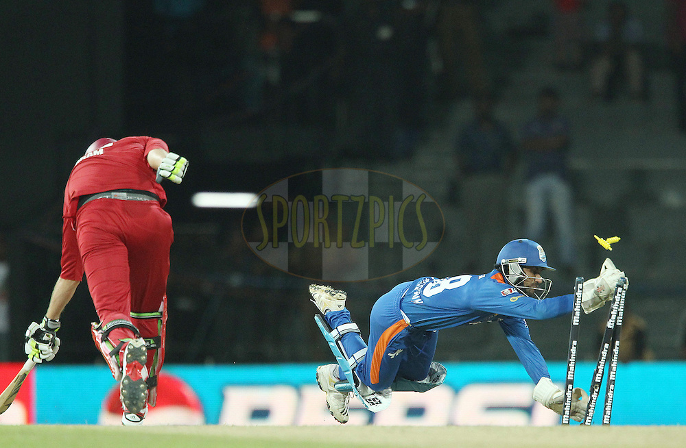 TM Sampath runs out Jacob Oram during match 21 of the Sri Lankan Premier League between Uva Next and Nagenahiras held at the Premadasa Stadium in Colombo, Sri Lanka on the 27th August 2012. .Photo by Ron Gaunt/SPORTZPICS/SLPL