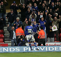 Photo: Lee Earle.<br /> Southampton v Ipswich Town. Coca Cola Championship. 21/01/2006. Alan Lee celebrates in front of the Ipswich supporters after scoring their second goal.
