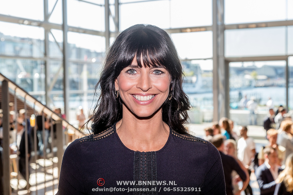 NLD/Amsterdam/20160823 - Seizoenpresentatie SBS 2016, Sandra Schuurhof