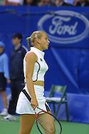 Sport,Tennis,Grand Slam,<br /> Australian Open in Melbourne, Jelena Dokic(AUS) im zweiteiligen Tennis Dress,Mode,modisch, Halbkoerper,Hochformat,