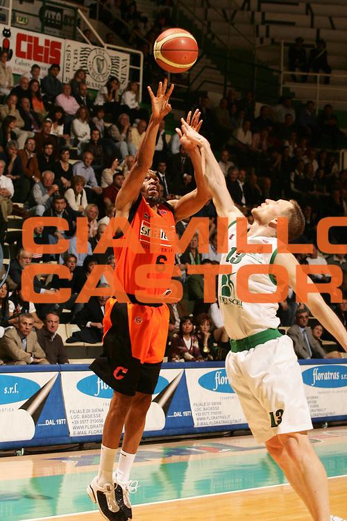 DESCRIZIONE : Siena Lega A1 2006-07 Montepaschi Siena Snaidero Udine <br /> GIOCATORE : Allen <br /> SQUADRA : Snaidero Udine <br /> EVENTO : Campionato Lega A1 2006-2007 <br /> GARA : Montepaschi Siena Snaidero Udine <br /> DATA : 19/04/2007 <br /> CATEGORIA : Tiro <br /> SPORT : Pallacanestro <br /> AUTORE : Agenzia Ciamillo-Castoria/P.Lazzeroni