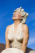 Palm Springs Marilyn Sculpture