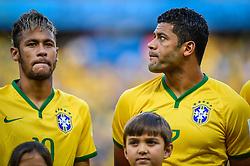 Neymar Júnior e Hulk na partida entre Brasil x Colombia, válida pelas quartas de final da Copa do Mundo 2014, no Estádio Castelão, em Fortaleza-CE. FOTO: Jefferson Bernardes/ Agência Preview
