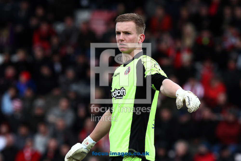 Picture by Daniel Chesterton/Focus Images Ltd +44 7966 018899.23/02/2013.George Long of Sheffield Utd gestures during the npower League 1 match at the Seward Stadium, Bournemouth.
