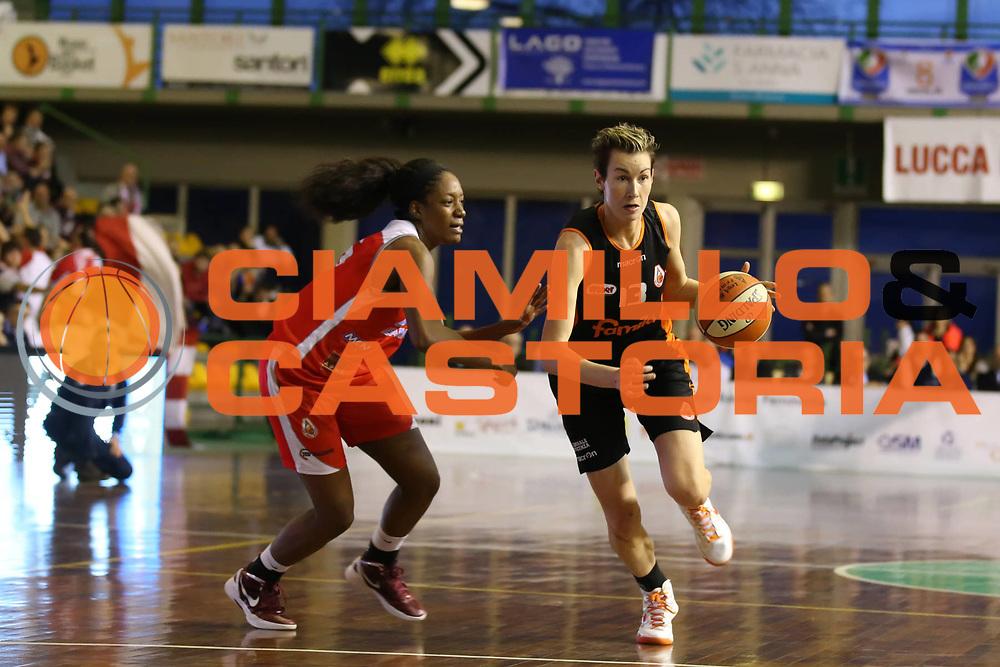DESCRIZIONE : Lucca Lega A1 Femminile 2012-13 Final Four Coppa Italia 2013 Finale Gesam Gas Lucca Famila Wuber Schio<br /> GIOCATORE : Elodie Godin<br /> SQUADRA : Famila Wuber Schio<br /> EVENTO : Campionato Lega A1 Femminile 2012-2013 <br /> GARA : Gesam Gas Lucca Famila Wuber Schio<br /> DATA : 10/03/2013<br /> CATEGORIA : palleggio<br /> SPORT : Pallacanestro <br /> AUTORE : Agenzia Ciamillo-Castoria/ElioCastoria<br /> Galleria : Lega Basket Femminile 2012-2013 <br /> Fotonotizia : Lucca Lega A1 Femminile 2012-13 Final Four Coppa Italia 2013 Finale Gesam Gas Lucca Famila Wuber Schio<br /> Predefinita :