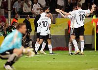 1:0 Jubel Torschuetze Oliver Neuville, Michael Ballack, Miroslav Klose, Tim Borowski, vorn Polen Torwart Artur Boruc<br /> Fussball WM 2006 Deutschland - Polen<br /> Tyskland - Polen<br /> Norway only