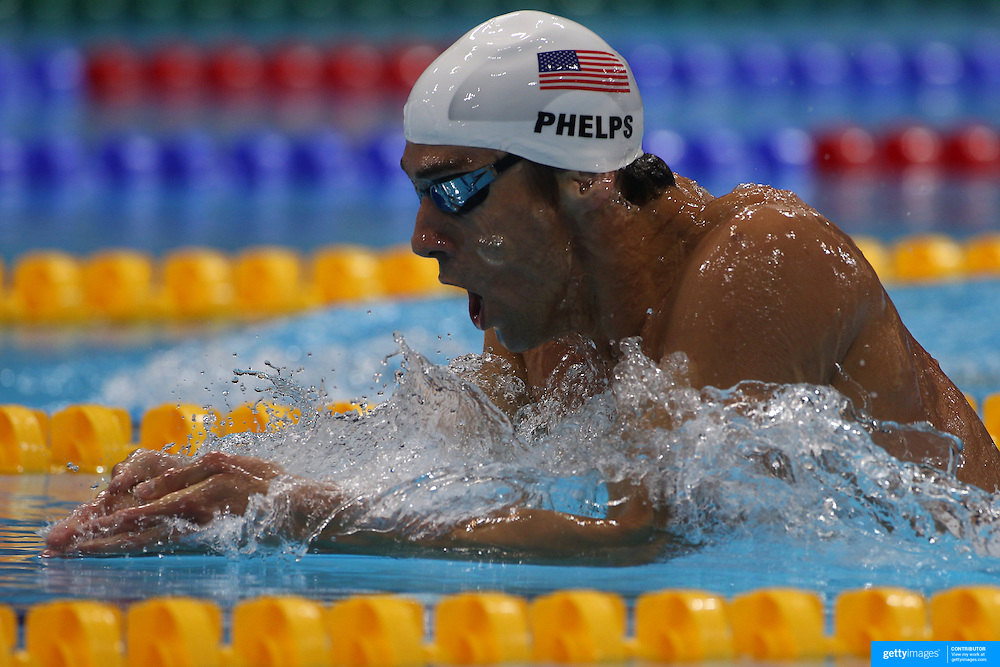 USA swimmer Michael Phelps in action during the Men's 400m Individual Medley during the swimming heats at the Aquatic Centre at Olympic Park, Stratford during the London 2012 Olympic games. London, UK. 28th July 2012. Photo Tim Clayton