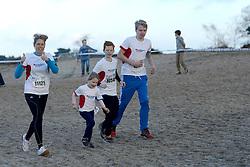31-12-2014 NED: Rabobank Sylvestercross, Soest<br /> BvdGF was ook van de partij in de Soester bossen / Nicole en de kids in volle vaart