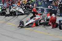 Helio Castroneves, Ryan Briscoe, Iowa Corn Indy 250, Iowa Speedway, Newton, IA  USA,  6/20/2010