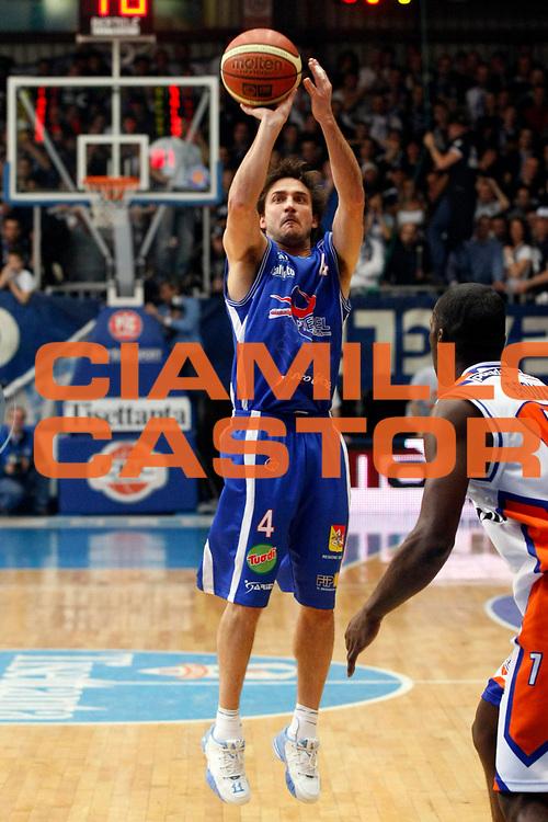 DESCRIZIONE : Cantu Lega A1 2007-08 Tisettanta Cantu Pierrel Capo Orlando<br /> GIOCATORE : Gianmarco Pozzecco<br /> SQUADRA : Pierrel Capo Orlando<br /> EVENTO : Campionato Lega A1 2007-2008<br /> GARA : Tisettanta Cantu Pierrel Capo Orlando<br /> DATA : 20/01/2008<br /> CATEGORIA : Tiro<br /> SPORT : Pallacanestro<br /> AUTORE : Agenzia Ciamillo-Castoria/G.Cottini
