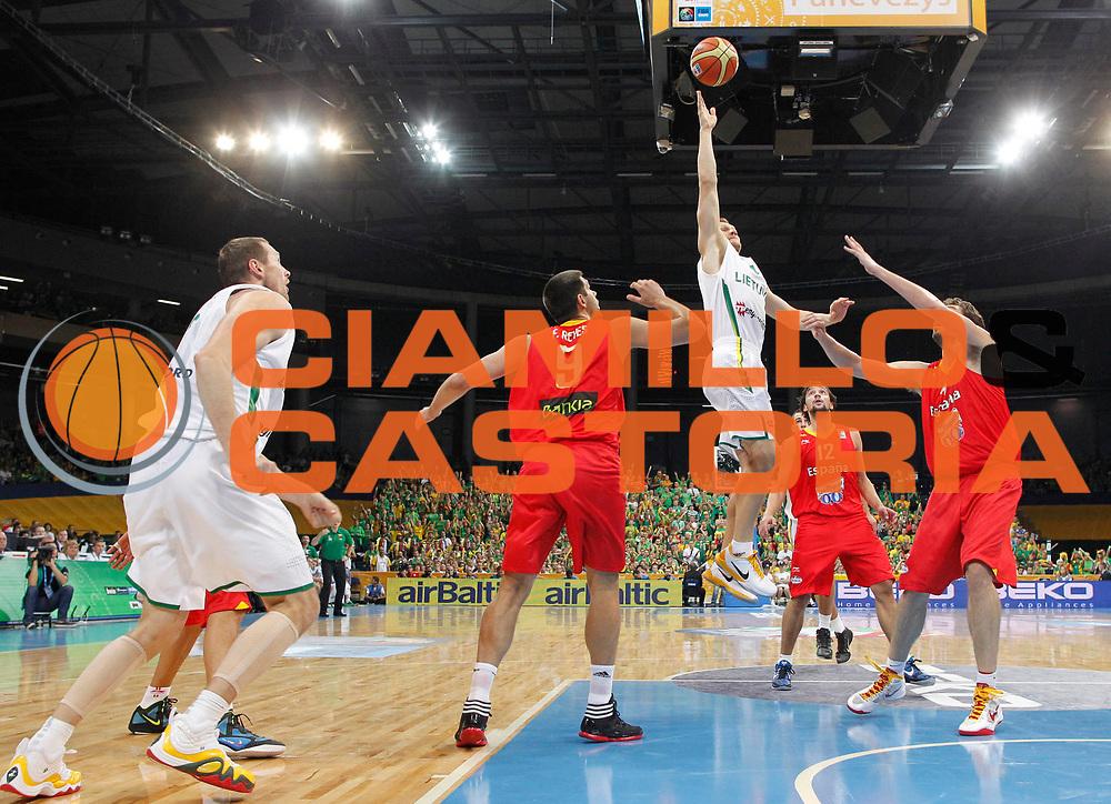 DESCRIZIONE : Panevezys Lithuania Lituania Eurobasket Men 2011 Preliminary Round Lituania Spagna Lithuania Spain<br /> GIOCATORE : Rimantas Kaukenas<br /> SQUADRA : Lituania Lithuania<br /> EVENTO : Eurobasket Men 2011<br /> GARA : Lituania Spagna Lithuania Spain<br /> DATA : 04/09/2011 <br /> CATEGORIA : tiro shot special<br /> SPORT : Pallacanestro <br /> AUTORE : Agenzia Ciamillo-Castoria/L.Kulbis<br /> Galleria : Eurobasket Men 2011 <br /> Fotonotizia : Panevezys Lithuania Lituania Eurobasket Men 2011 Preliminary Round Lituania Spagna Lithuania Spain<br /> Predefinita :