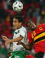 v.l. Omar Bravo, Loco Angola<br /> <br /> Fussball WM 2006 Mexiko - Angola<br /> Mexico - Angola<br /> Norway only
