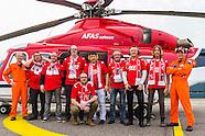 AZ fans per helikopter naar de wedstrijd