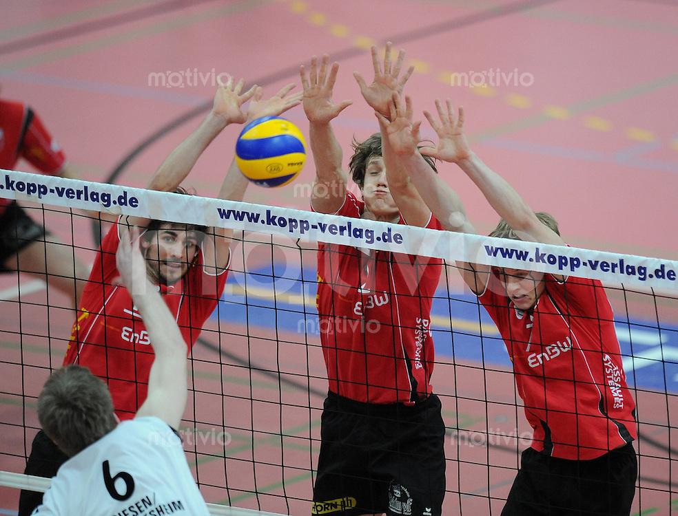 Volleyball  1. Bundesliga  2008/200909.03.2009 ENBW TV Rottenburg  - TSV Giesen/Hildesheim TV R Block, Thomas Welz, Benny Stefanski und Dik Mehlberg (v.li) gegen  Henning Machtens (Giesen)
