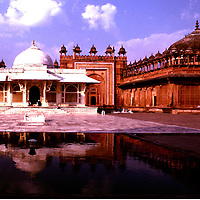 A 1979 photo of Panch Mahal, a five-story, 16th century palace in Fatehpur Sikri.