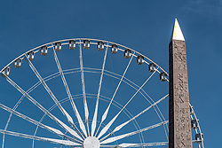 THEMENBILD - Teilansicht des Riesenrad Roue de Paris und des Obelisk von Luxor bei Sonnenschein, aufgenommen am 09. Juni 2016 in Paris, Frankreich // Closeup view of Ferris wheel Roue de Paris and the Luxor Obelisk at sunshine, Paris, France on 2016/06/09. EXPA Pictures © 2017, PhotoCredit: EXPA/ JFK