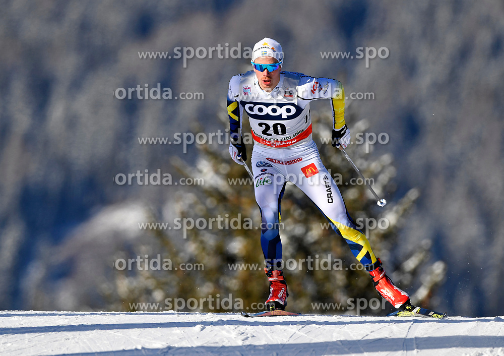 16.12.2017, Nordic Arena, Toblach, ITA, FIS Weltcup Langlauf, Toblach, Herren, 15 km, im Bild Gustav Eriksson (SWE) // Gustav Eriksson of Sweden during men's 15 km of the FIS Cross Country World Cup at the Nordic Arena in Toblach, Italy on 2017/12/16. EXPA Pictures &copy; 2017, PhotoCredit: EXPA/ Nisse Schmidt<br /> <br /> *****ATTENTION - OUT of SWE*****